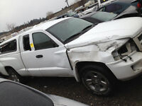 2008 Dodge Dakota Pickup Truck (damaged) MAKE ME AN OFFER