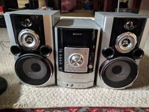 Sony HPR99XM Receiver/Speakers