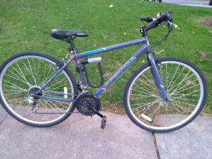 Supercycle Reaction Men's Hybrid Bike, 700C. Great condition!