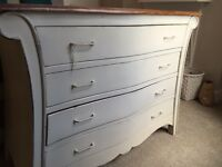 Vintage Shabby Chic Chest of Drawers / Dresser