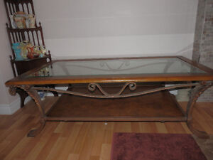 QUALITY LARGE COFFEE TABLE