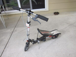 Black space scooter in great condition