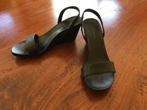 7 pairs of high end shoes and sandals for $15 each