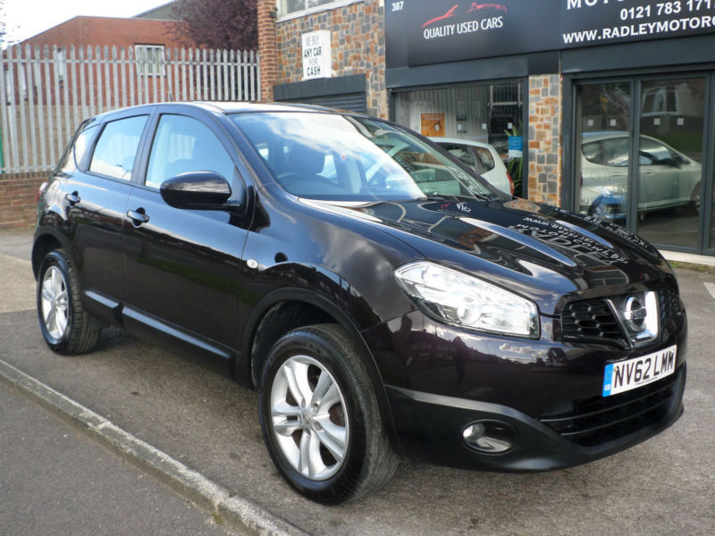 2012 nissan qashqai 1 6 2wd acenta 5dr 62 reg petrol black. Black Bedroom Furniture Sets. Home Design Ideas