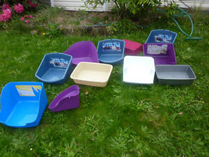 Various sizes litter pans