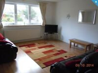 Low Rent: Spacious 2 bed with ensuite flat available, including car parking space