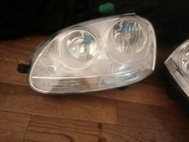Vw jetta right head light