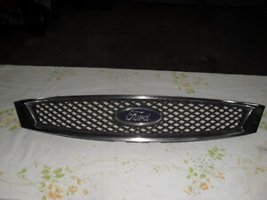 grille ford focus 2005-07 West Island Greater Montréal image 2