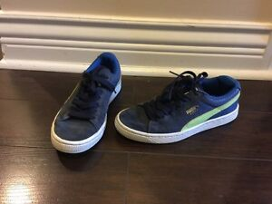 Kids Puma shoes size 3.5