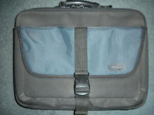 Carrying Bag - Targus