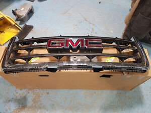 Brand new 07-13 gmc grille