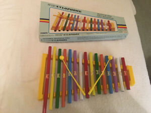 15 note tunes xylophone resonator pipes complete with 2 mallets
