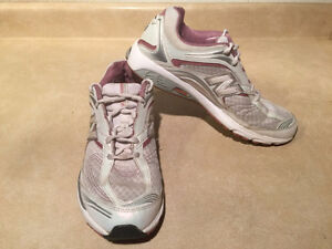 Women's New Balance Abzorb Energy 1200 Running Shoes Size 11 London Ontario image 7