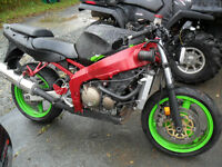 Parting Out 2001 Kawasaki ZX600