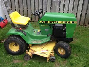 John Deere 116h lawnmower