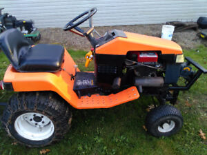ARIENS GARDEN TRACTOR WITH SNOW BLADE  SELL TRADE
