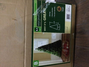 6.5 Ft artificial Christmas Tree