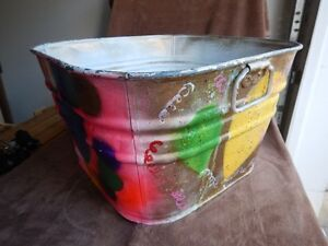 Beautifully Painted Galvanized Wash Tub Needs Caring Home!