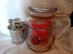 Strawberry scented candle and miniature tin of shells