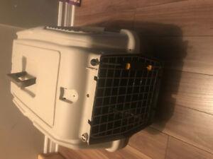Cage transport chien avec tablette d'entrainement et serviettes