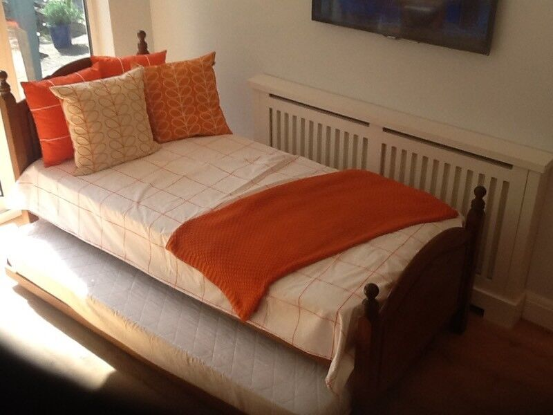 Pine bed / Guest bed