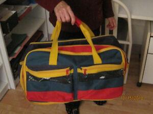 sac de voyage, sac de sport ou autre en toile