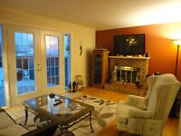 PARK & RIVER VIEWS WITH  BUNGALOW AN HOUR FROM WEST MONTREAL