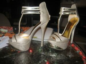 """Young Ladies Women's Size 10 stilettoes 6.5""""Heel"""