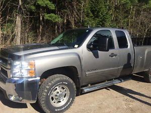2007 Chevrolet Silverado Ext. Cab Long Box 2500 LT Pickup Truck