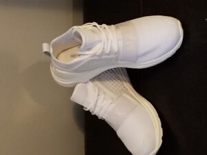 Brand new mens sneakers