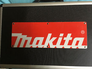 Makita grinder 5.5 brand new in alubox