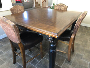 Brown Dining Table Set with 6 chairs and 2 Bar Stool