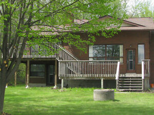 Waterfront home for Rent - Nov. 15 - May on Trent River