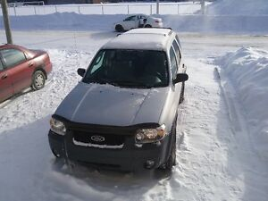 2005 Ford Escape XL VUS