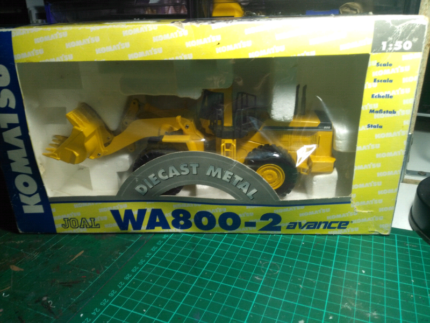 1:50 scale komatsu WA800-2 diecast loader | Collectables | Gumtree