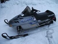 Ski-doo Formula deluxe 600, année 2000, 2 cyl, 600cc,