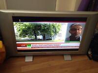 "Philips flat widescreen Matchline TV 30PF9975 76 cm (30"") vLCDv Progressive Scan with Pixel Plus"