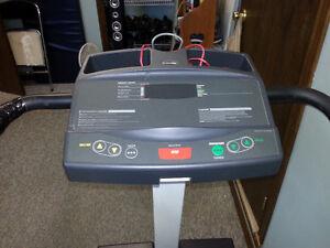 Precor 921i Treadmill Cambridge Kitchener Area image 2