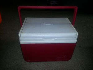 COLEMAN MINI LUNCH COOLER ONLY 5$ EACH I HAVE 2 FOR SALE........