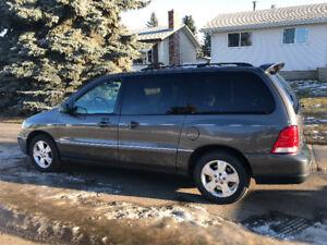 2005 Ford Freestar Sport Minivan, Van