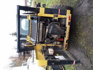 242B Cat Skid Steer