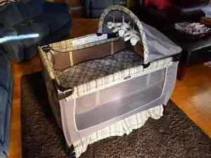 Graco playpen with change table  excellent Kitchener / Waterloo Kitchener Area image 1