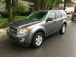 2009 Ford Escape Tres propre $4950