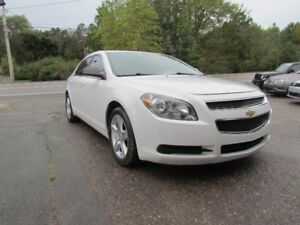2011 Chevrolet Malibu LS NEW TIRES! AC! NEW BREAKS! NICE CAR!