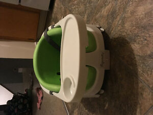 Bumbo Chair & Baby booster 2in1 - Excellent condition