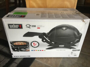 Portable Weber BBQ - new in box - sold pending pick up