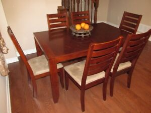 Dining set of solid wood: table and 6 chairs