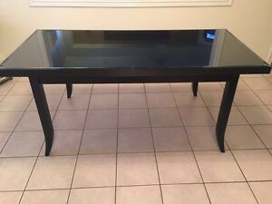 Solid wood table (black)