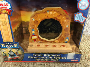 New! Thomas and friends Fossil Discovery Reduced!!