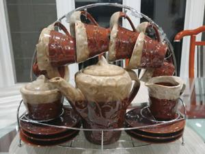 16 piece coffee/tea set